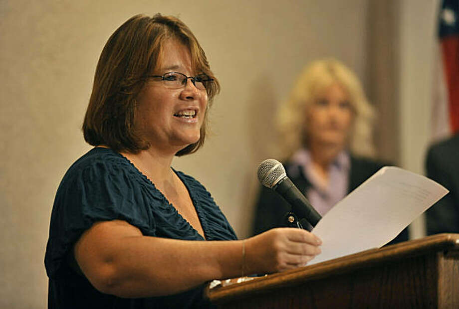 Tina Dugard, an aunt of recently recovered kidnap victim, Jaycee Dugard,  reads a statement in the Westwood section of Los Angeles, Thursday, Sept. 3, 2009. (AP Photo/Jae C. Hong) Photo: Jae C. Hong, AP
