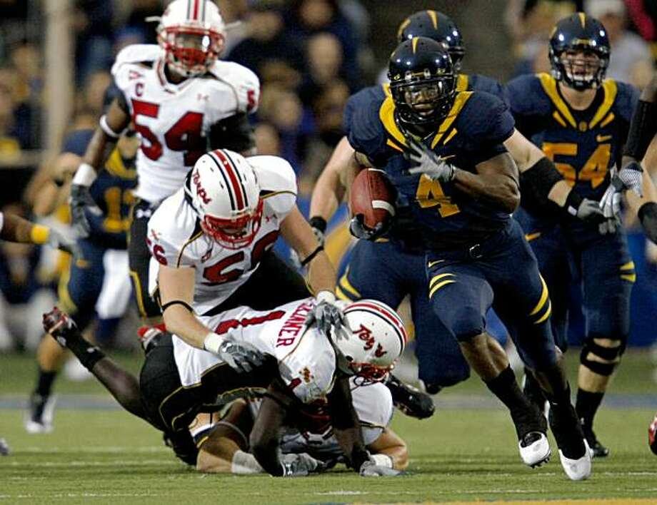 California #4 Jahvid Best scores Cal's first touchdown with a 73 yard run in the first quarter. CAL leads Maryland 14-3 in the 2nd quarter. Sept 5, 2009. Photo: Lance Iversen, The Chronicle