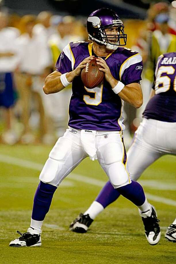 MINNEAPOLIS, MN - AUGUST 21: Quarterback John David Booty #9 of the Minnesota Vikings drops back to pass the football against the Kansas City Chiefs at Hubert H. Humphrey Metrodome on August 21, 2009 in Minneapolis, Minnesota. The Vikings defeated the Chiefs 17-13. (Photo by Scott Boehm/Getty Images) Photo: Scott Boehm, Getty Images