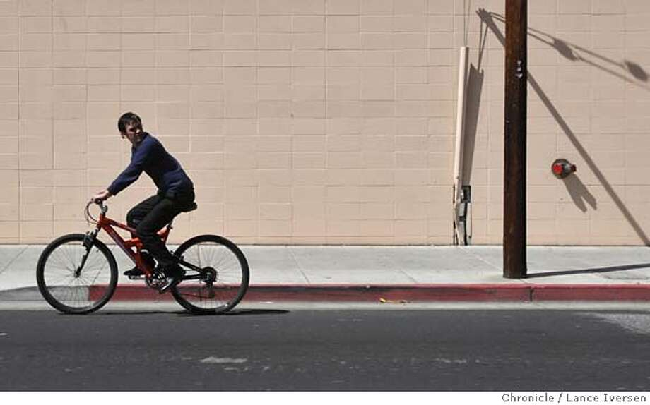 ###Live Caption:Former Marine Sean Scharf uses his bike to get around San Jose, as he saves money to purchase a modest car March 25, 2008. It's been two years since Sean Scharf returned home after serving with the Marines in Iraq. Physically, heês fine. But in many small ways, he's still trying to make sense of the time he spent in a war zone. Photo By Lance Iversen / San Francisco Chronicle.###Caption History:Former Marine Sean Scharf uses his bike to get around San Jose, as he saves money to purchase a modest car March 25, 2008. It�s been two years since Sean Scharf returned home after serving with the Marines in Iraq. Physically, he�s fine. But in many small ways, he's still trying to make sense of the time he spent in a war zone. Photo By Lance Iversen / San Francisco Chronicle.###Notes:Lance Iversen 415-2979395  CQ###Special Instructions:MANDATORY CREDIT PHOTOG AND SAN FRANCISCO CHRONICLE. Photo: LANCE IVERSEN