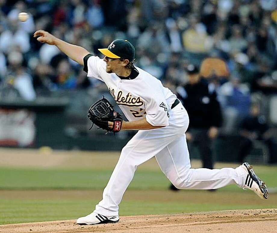 Oakland Athletics' pitcher Brett Tomko works against the New York Yankees in the first inning of a baseball game Monday, Aug. 17, 2009, in Oakland, Calif. (AP Photo/Bay Area News Group, Jose Carlos Fajardo) ** NO SALES; MAGS OUT; TV OUT; MANDATORY CREDIT ** Photo: Jose Carlos Fajardo, AP