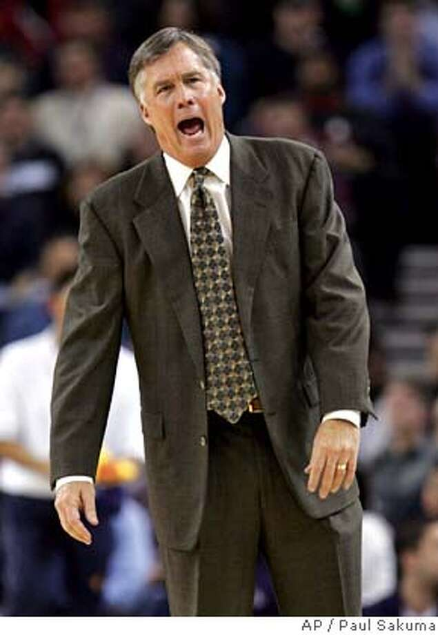 ###Live Caption:** FILE ** Former Golden State Warriors coach Mike Montgomery argues with officials in this Jan. 25, 2006 file photo from an NBA basketball game against the Dallas Mavericks in Oakland, Calif. University of California, Berkeley reportedly has agreed in principle Friday, April 4, 2008, with Montgomery on a contract to replace Ben Braun who was fired after the California Golden Bears missed the NCAA tournament for the fourth time in five years. (AP Photo/Paul Sakuma, File)###Caption History:** FILE ** Former Golden State Warriors coach Mike Montgomery argues with officials in this Jan. 25, 2006 file photo from an NBA basketball game against the Dallas Mavericks in Oakland, Calif. University of California, Berkeley reportedly has agreed in principle Friday, April 4, 2008, with Montgomery on a contract to replace Ben Braun who was fired after the California Golden Bears missed the NCAA tournament for the fourth time in five years. (AP Photo/Paul Sakuma, File)###Notes:Mike Montgomery###Special Instructions:JAN. 2006 FILE PHOTO. EFE OUT EFE OUT Photo: PAUL SAKUMA