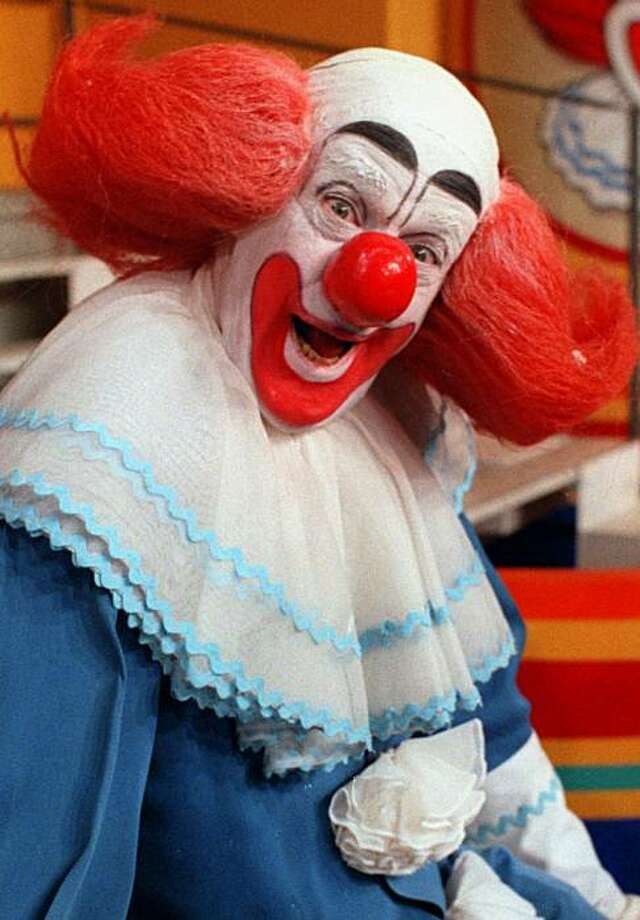 Actor Bob Bell, who portrayed ``Bozo the Clown'' on Chicago television station WGN-TV, is shown before taping his last show in this April 4, 1984 file photo. He died Monday morning, Dec. 8, 1997.  Bell, 75, first portrayed the character of Bozo in 1959 for a short-lived show which mixed one-man skits with animated cartoons. He returned to the air in 1961 with ``Bozo's Circus,'' and played the zany clown for 25 years. He retired in 1984, and was inducted into the Clown Hall of Fame in 1996. The character of Bozo was originally created by Larry Harmon. Photo: Mark Elias, AP