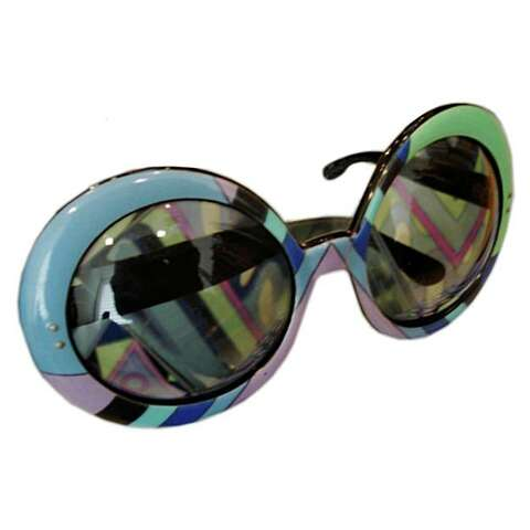 29fb06a2ea These 1960s Emilio Pucci sunglasses come with a matching scart