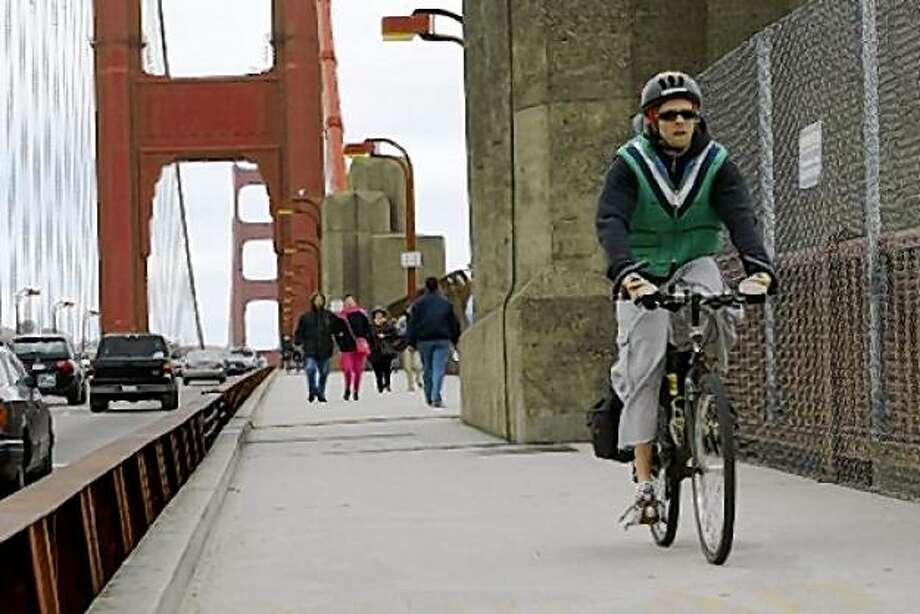 Golden gate bridge path (photo by deanne fitzmaurice) Photo: Deanne Fitzmaurice, The Chronicle