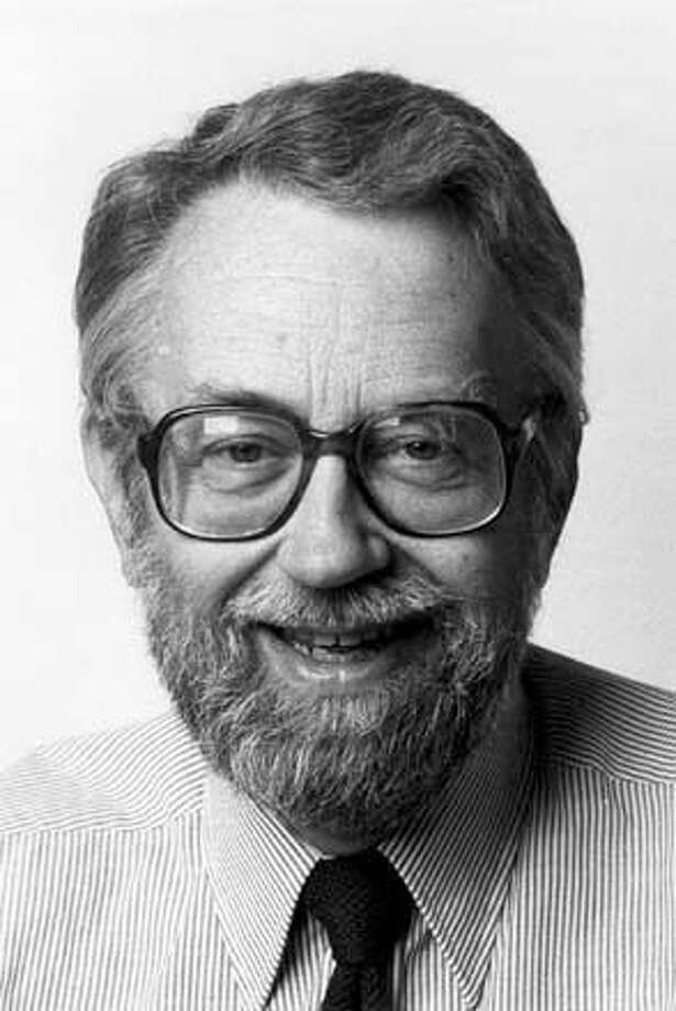 ###Live Caption:Portrait of former Examiner columnist and editor Bruce Hilton, circa 1988. Hilton died on March 14, 2008, in Sacramento.###Caption History:Portrait of former Examiner columnist and editor Bruce Hilton, circa 1988. Hilton died on March 14, 2008, in Sacramento.###Notes:###Special Instructions: Photo: Paul Glines
