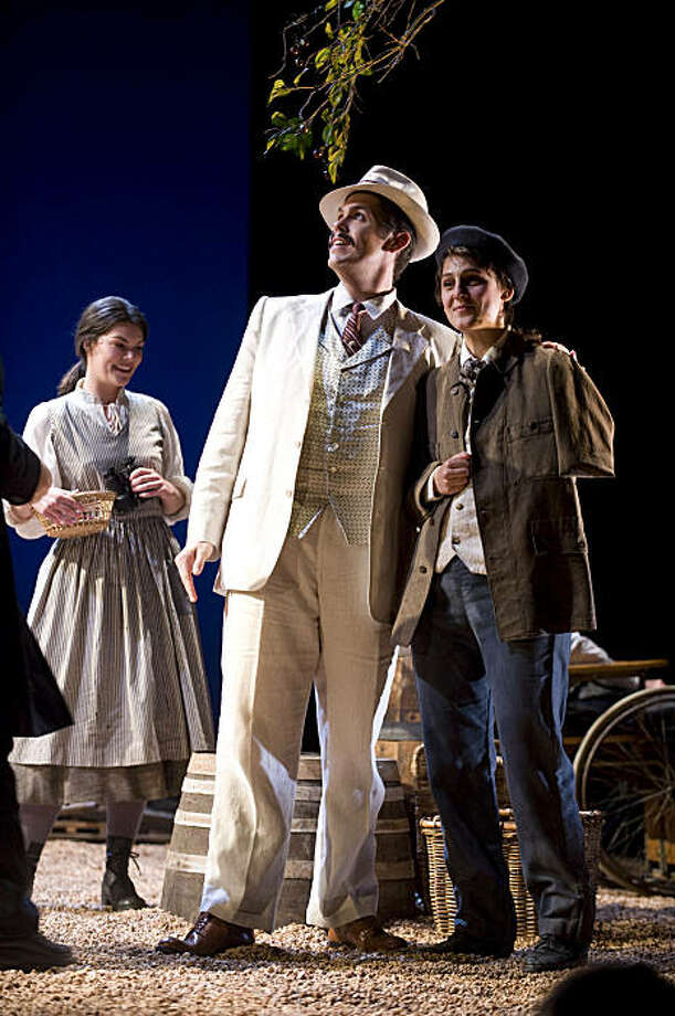 "Sara Gartland (l.) as Suzel, Nathaniel Peake as Fritz, Maya Lahyani as Beppe in Mascagni's ""L'Amico Fritz"" Photo: Kristen Loken"