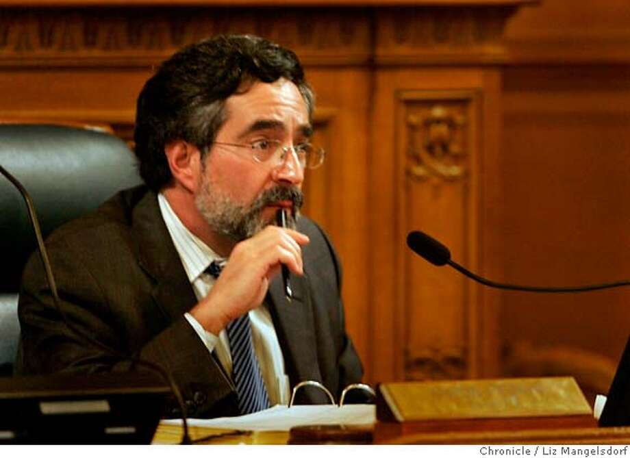 ###Live Caption:San Francisco Board of Supervisors president Aaron Peskin during a meeting discussing the 49er stadium issue on Nov. 21, 2006.###Caption History:San Francisco Board of Supervisors president Aaron Peskin during a meeting discussing the 49er stadium issue on Nov. 21, 2006.  Liz Mangelsdorf / The Chronicle###Notes:###Special Instructions:MANDATORY CREDIT FOR PHOTOG AND SF CHRONICLE/NO SALES-MAGS OUT Photo: Liz Mangelsdorf