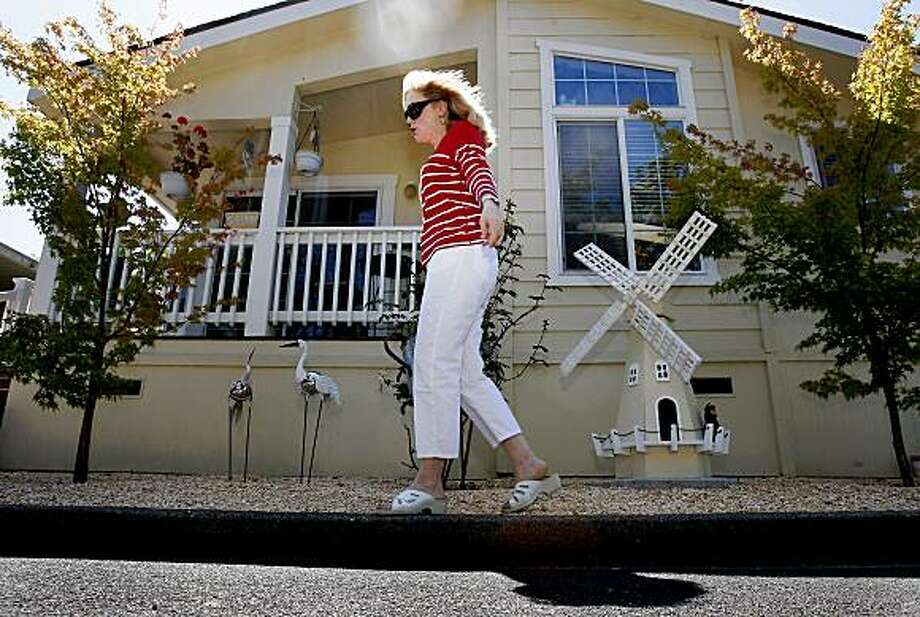 Fabulous More Mobile Home Parks Trying To Become Condos Sfgate Download Free Architecture Designs Embacsunscenecom