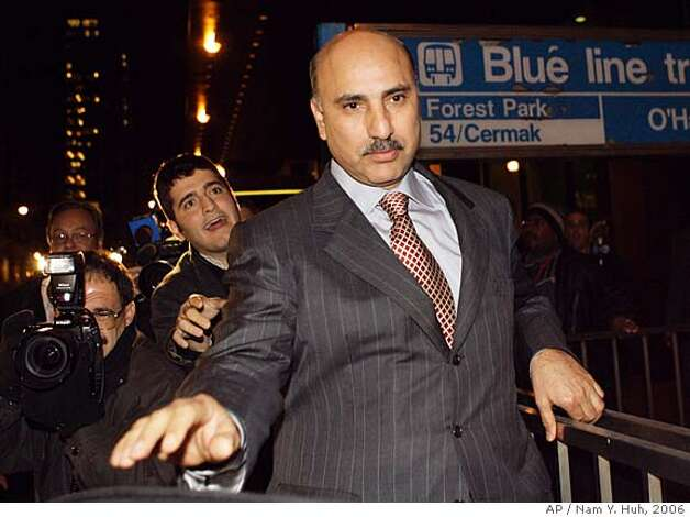 "**ADVANCE FOR SUNDAY, MARCH 2 - FILE** Antoin ""Tony"" Rezko, a fundraiser and political confidant for Gov. Rod Blagojevich, leaves the federal building in Chicago in this Oct. 19, 2006, file photo. Jury selection begins Monday, March 2, 2008, at federal court in Chicago for Rezko who is charged with using political clout to run a multimillion-dollar extortion scheme. (AP Photo/Nam Y. Huh, File) Photo: Nam Y. Huh"