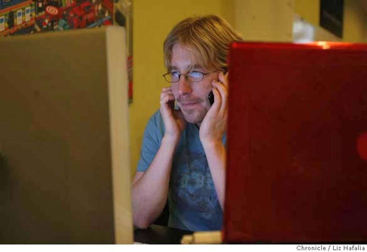 Chris Messina co-started Citizen Space, a co-working space. Photo by Liz Hafalia/San Francisco Chronicle �2008, San Francisco Chronicle/ Liz Hafalia MANDATORY CREDIT FOR PHOTOG AND SAN FRANCISCO CHRONICLE. NO SALES- MAGS OUT.