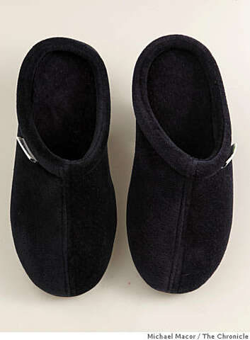 cdfc602421845 Brookstone Comfort-Step Tempur Pedic men's slippers just in time for  Father's Day. Wednesday
