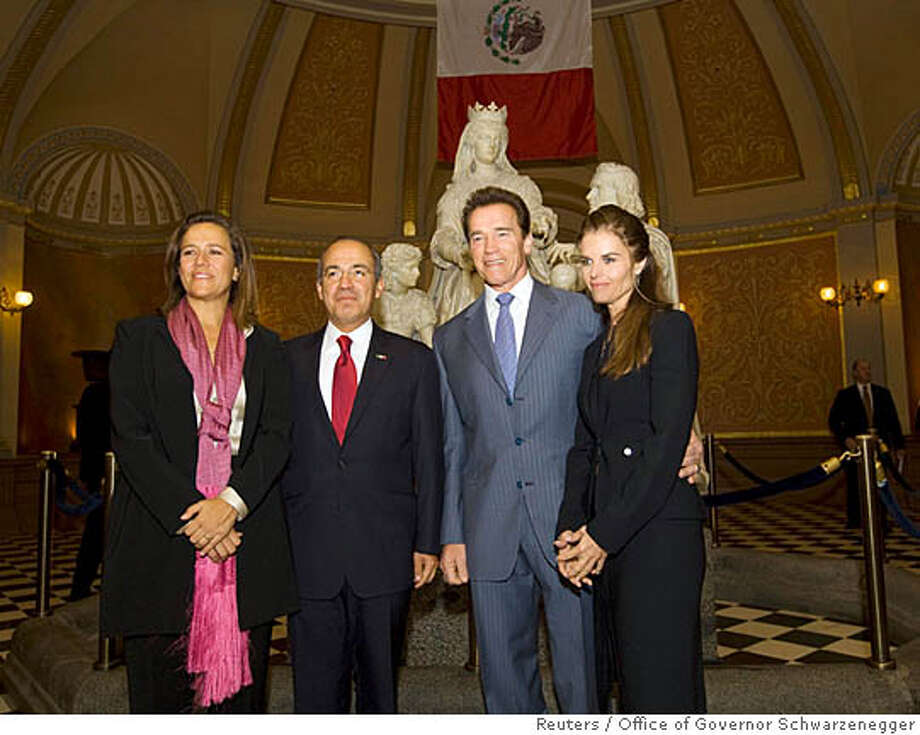 California Governor Arnold Schwarzenegger and his wife Maria Shriver (R) welcome Mexico's President Felipe Calderon (2nd L) and his wife, Margarita Zavala (L), to the State Capitol in Sacramento, California, February 13, 2008. REUTERS/ William Foster/Office of Governor Schwarzenegger/Handout (UNITED STATES). EDITORIAL USE ONLY. NOT FOR SALE FOR MARKETING OR ADVERTISING CAMPAIGNS. Photo: HO