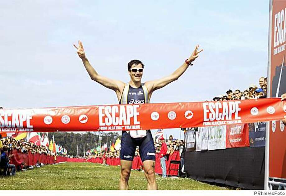 Andy Potts Wins Escape From Alcatraz(TM) Triathlon for Third Straight Year.  (PRNewsFoto/Escape from Alcatraz Triathlon) Photo: PRNewsFoto