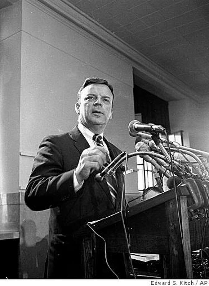 FILE - This May 23, 1970 photo shows Edward V. Hanrahan speaking during a press conference in Chicago, May 23, 1970. The former Cook County State attorney whose political career was ruined when police assigned to his office killed two Black Panthers in a pre-dawn raid in 1969, died Tuesday June 9, 2009. He was 88. Peterson Funeral Home confirmed his death. (AP Photo/Edward S. Kitch, File) Photo: Edward S. Kitch, AP