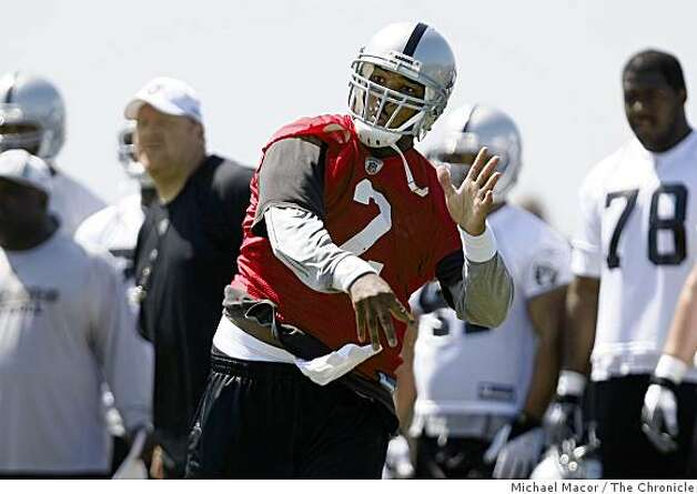 Quarterback JaMarcus Russell, (2) fires downfield during prtactice as the Oakland Raiders hold their second day of minicamp in Oakland, Calif. on Saturday May 9, 2009. Photo: Michael Macor, The Chronicle