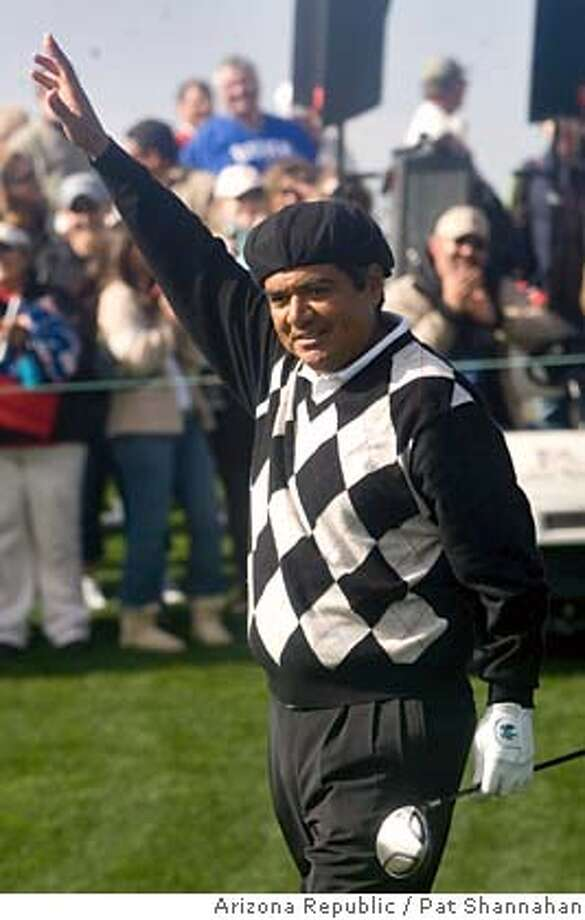 Comedian George Lopez waves to the crowd at the first hole of the FBR Pro-Am in Scottsdale, Ariz., Wednesday, Jan. 30, 2008. (AP Photo/Arizona Republic, Pat Shannahan) **MARICOPA COUNTY OUT, MESA TRIBUNE OUT, MAGS OUT, NO SALES** **MARICOPA COUNTY OUT, MESA TRIBUNE OUT, MAGS OUT, NO SALES** EFE OUT Photo: Pat Shannahan