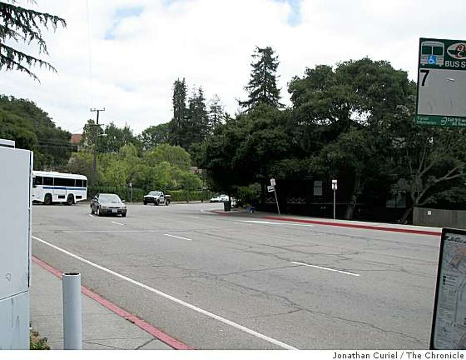 Piedmont Avenue crosses Dwight Way to join up with Warring Street in Berkeley Photo: Jonathan Curiel, The Chronicle