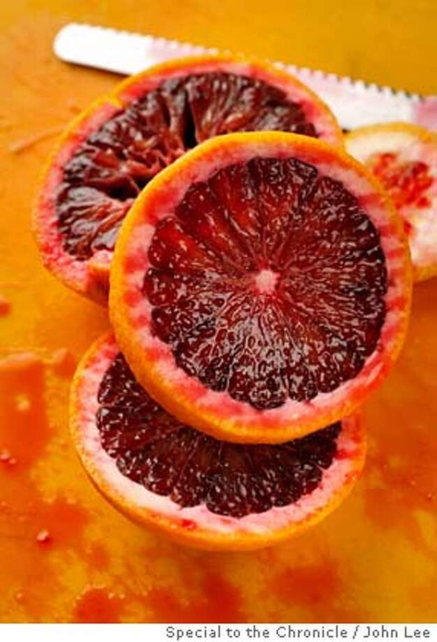 CITRUS_02_JOHNLEE.JPG  SAN FRANCISCO, CALIF - JAN 17: Blood oranges.  By JOHN LEE/SPECIAL TO THE CHRONICLE Photo: John Lee