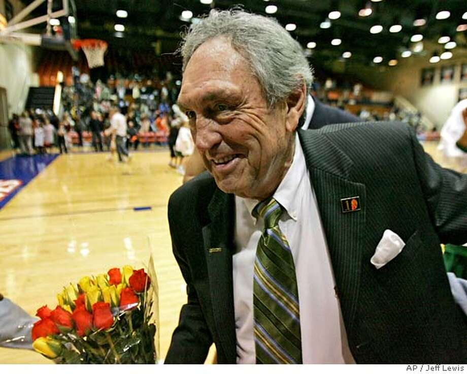 San Francisco's head coach Eddie Sutton walks off the court after San Francisco defeats Pepperdine 85-82 in an NCAA college basketball game to give Eddie Sutton his 800th win on Saturday, Feb. 2, 2008, in Malibu, Calif. (AP Photo/Jeff Lewis) EFE OUT Photo: Jeff Lewis