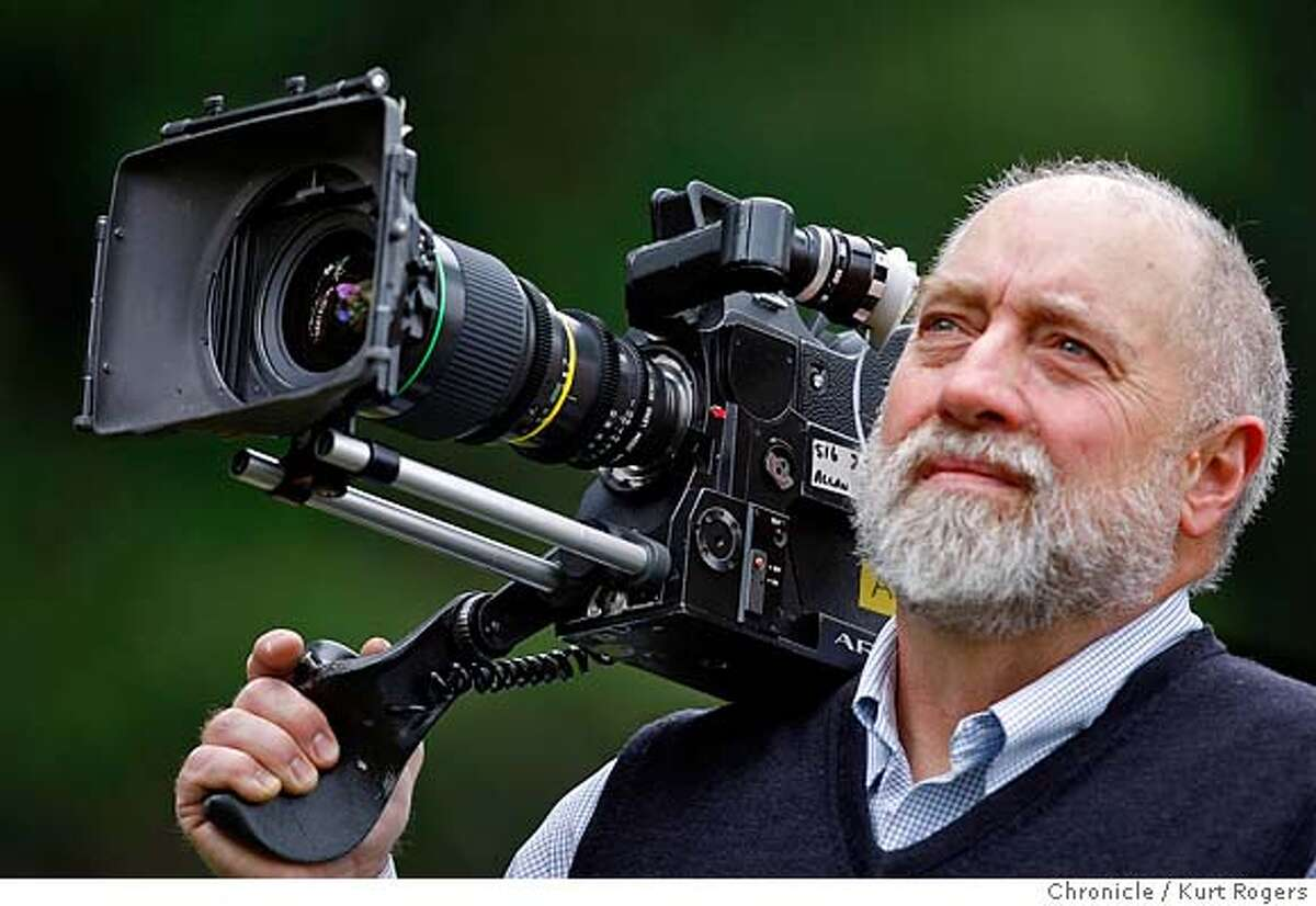 Mark Allan a photographer for NFL Films with his Arriflex camera. Kurt Rogers / The Chronicle MANDATORY CREDIT FOR PHOTOG AND SAN FRANCISCO CHRONICLE/NO SALES-MAGS OUT
