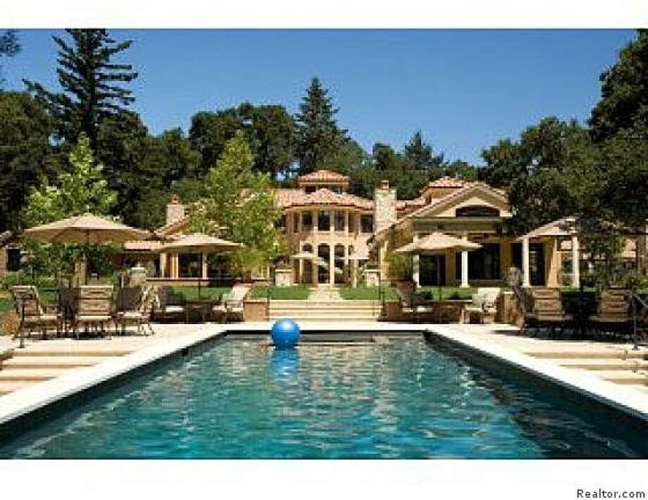 The backyard pool at 750 Mountain Home Road. Photo: Realtor.com