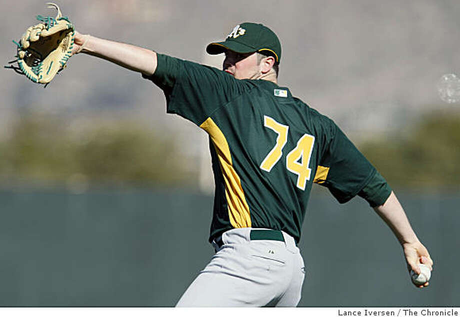 Oakland Athletics pitcher Vin Mazzaro warms up with teammates during Spring Training workouts at Papago Baseball Complex Wednesday February 18, 2009 in Phoenix Arizona Photo: Lance Iversen, The Chronicle