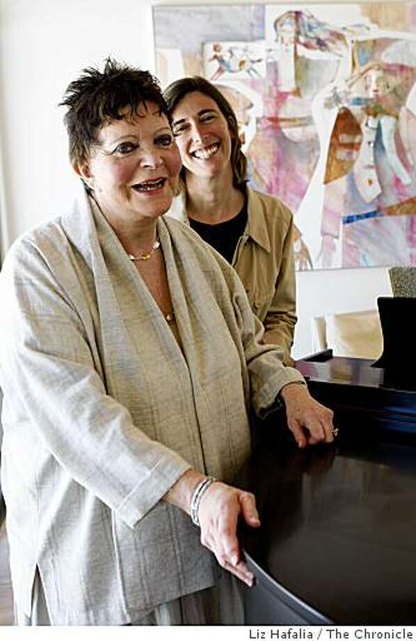 Helen Diller at home with her daughter Jackie Safier on Tuesday, May 19, 2009, in Woodside, Calif.   Helen Diller's family foundation has made the largest contribution in UCSF history to build a world renown cancer research building at UCSF's Mission Bay. The Diller Family Foundation gave a gift of $35 million, and is preparing to give more. Photo: Liz Hafalia, The Chronicle