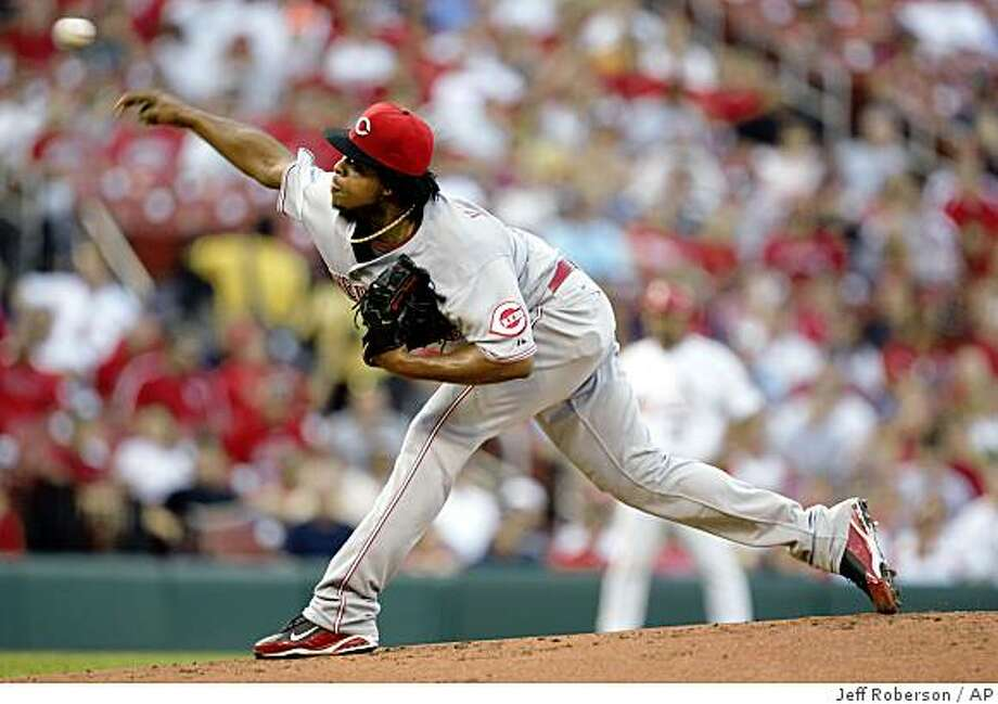 Cincinnati Reds starting pitcher Edinson Volquez throws during the first inning of a baseball game against the St. Louis Cardinals Monday, June 1, 2009, in St. Louis. Volquez pitched only one inning before being replaced by Mike Lincoln.  (AP Photo/Jeff Roberson) Photo: Jeff Roberson, AP