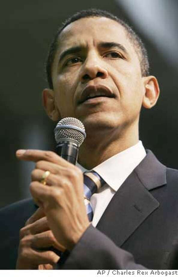 Democratic presidential hopeful, Sen. Barack Obama, D-Ill., campaigns during a town hall meeting in Beaufort, S.C., Thursday, Jan. 24, 2008. (AP Photo/Charles Rex Arbogast) Photo: Charles Rex Arbogast