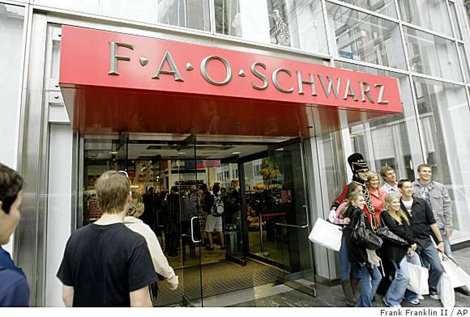 FAO Schwarz is shown Thursday, May 28, 2009  in New York. Toys R Us Inc. said it acquired the troubled high-end retailer, which has struggled for years through bankruptcies amid tough competition from discount stores. Privately held Toys R Us ? the largest U.S. toy retailer ? meanwhile, will get an opportunity to work with smaller toy vendors, cut costs and operate a marquee store on 5th Avenue. (AP Photo/Frank Franklin II) Photo: Frank Franklin II, AP