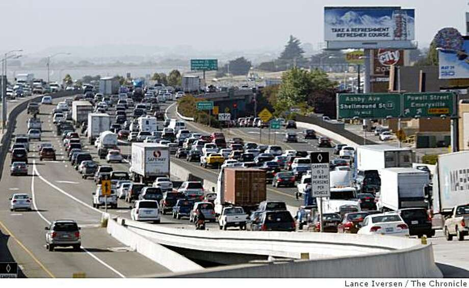 The Bay Area transportation officials released their top 10 most congested freeways today. On the list at number eight is eastbound Interstate 80, from the Sterling Street on-ramp in San Francisco to east of Powell Street in Emeryville. Wednesday, May 27, 2009. Photo: Lance Iversen, The Chronicle