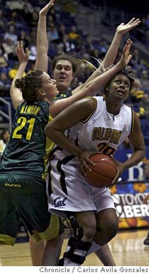 CALWOMENBASKETALL_003_CAG.JPG  Devanei Hampton drives to the basket in the first half of play. The Cal Womens' Basketball team played the Oregon Ducks at Haas Pavilion in Berkeley on Thursday, January 10, 2008.  Photo taken on 1/10/08, in Berkeley, Ca  Photo by Carlos Avila Gonzalez/The San Francisco Chronicle NORTHERN CALIF. MANDATORY CREDIT: PHOTOG AND SAN FRANCISCO CHRONICLE. MAGS OUT, NO SALES Photo: Carlos Avila Gonzalez