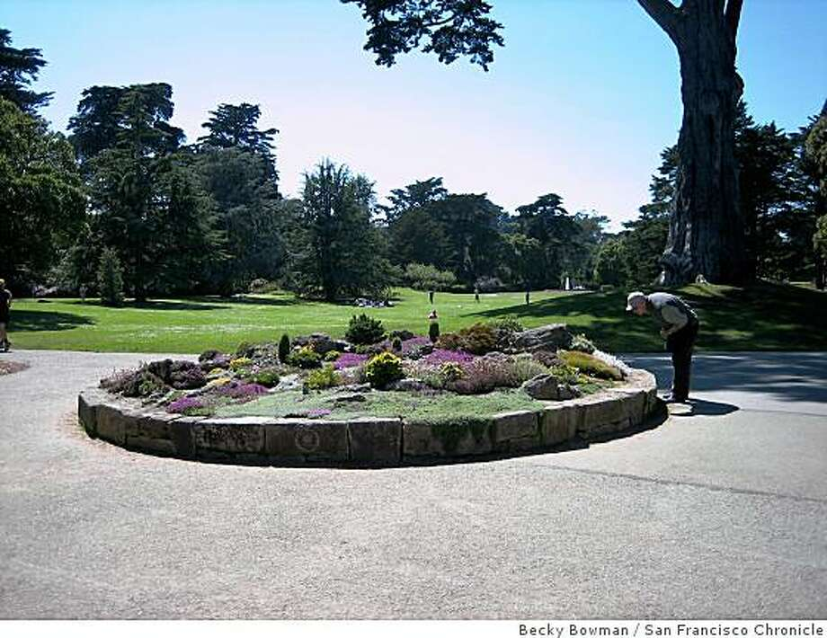 A proposal to charge visitors to the Strybing Arboretum has become controversial. Photo: Becky Bowman, San Francisco Chronicle