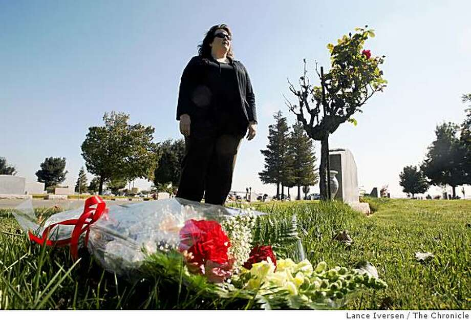 Corey Oiesen from Santa Cruz County stands next to the burial site in Patterson cemetery were her cousin, murder victim Mary Alice Willey was laid to rest for 37 years in a pullers grave. Photographed in Patterson Wednesday October 15, 2008 Photo: Lance Iversen, The Chronicle