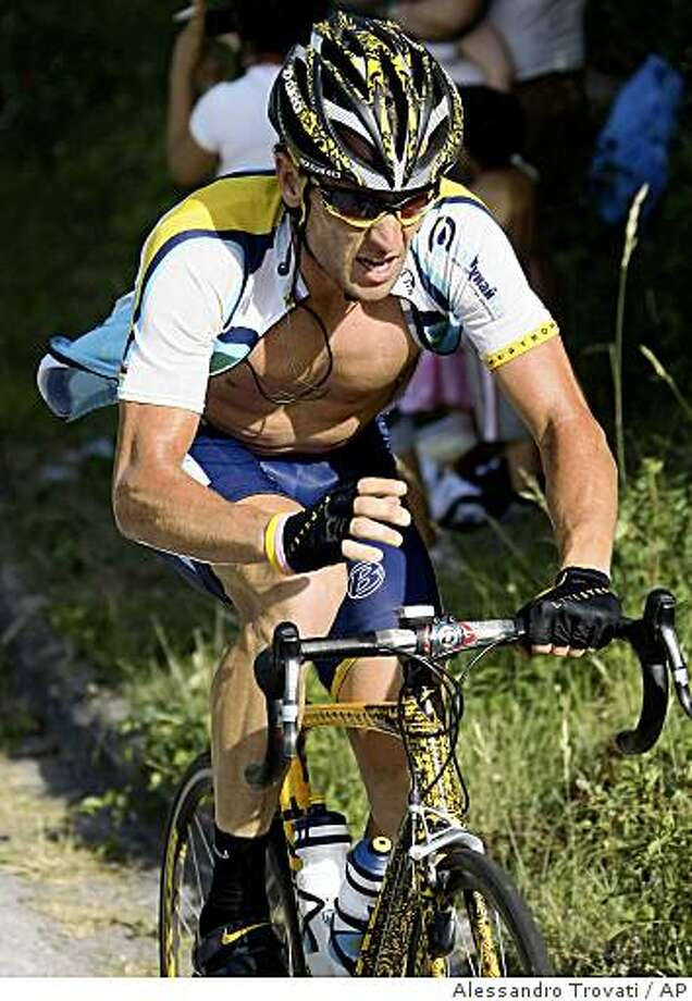 Lance Armstrong pedals during the 16th stage of the Giro d'Italia, Tour of Italy cycling race, from Pergola to Monte Petrano, in Cagli, Italy, Monday, May 25, 2009. Photo: Alessandro Trovati, AP