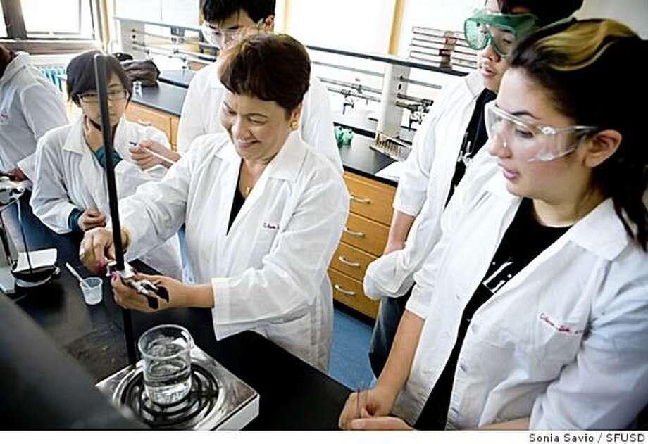 Students in the chemistry lab at Balboa High School in San Francisco. Photo: Sonia Savio, SFUSD