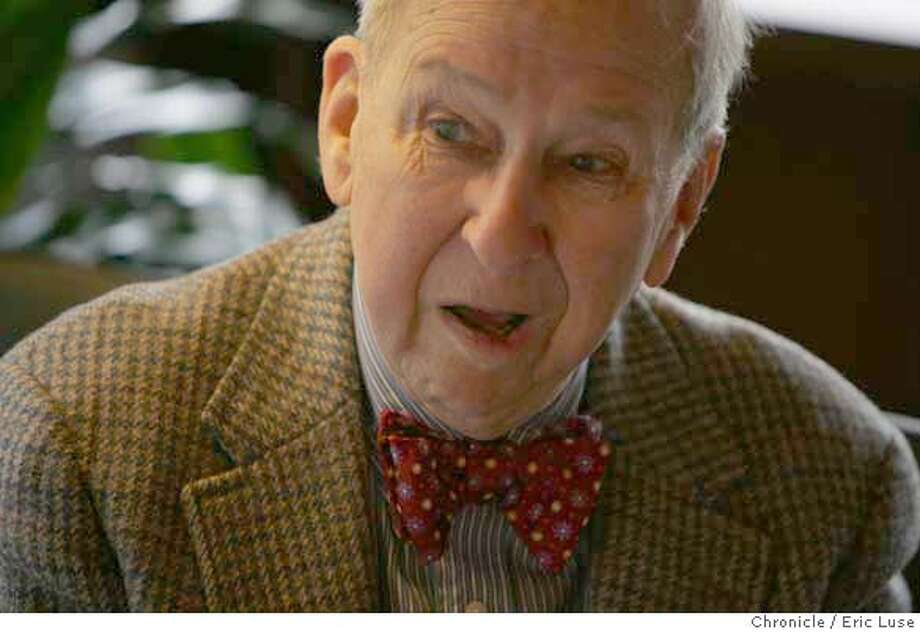 dahlstrand12233_el.jpg The tour continued on to the home of Bea and Bill Welty where Olof talked about the home he designed.  Olof Dahlstrand,91, architect, was honored by several homeowners who live in homes he designed. Eric Luse / The Chronicle Photo taken on 11/26/07, in Orinda, CA, USA  Names cq from source  Olof Dahlstrand Bea and Bill Welty  Frank and Edith Valle-Riestra MANDATORY CREDIT FOR PHOTOG AND SAN FRANCISCO CHRONICLE/NO SALES-MAGS OUT Photo: Eric Luse