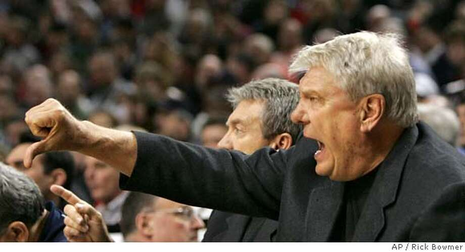Golden State Warriors head coach Don Nelson shouts to his team during their NBA basketball game with Portland Trail Blazers, Wednesday, Jan. 9, 2008, at the Rose Garden in Portland, Ore. The Trail Blazers defeated the Warriors 109-91. (AP Photo/Rick Bowmer) EFE OUT Photo: Rick Bowmer