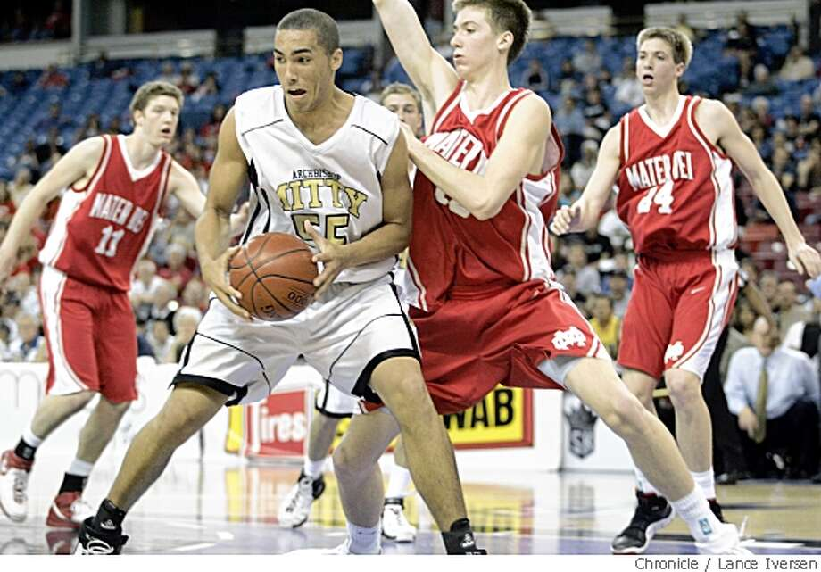 Mater Dei defenders cover Mitty's Drew Gordon in OT action at Arco Arena. March 23, 2007. Photo: Lance Iversen, Chronicle