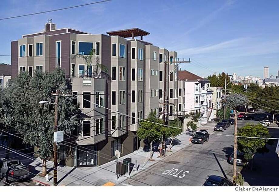 3354 20TH ST. -- New condos in Mission district and subject of Model Home story by Dana Perrigan on 12-23-2007 Photo: Cleber DeAlencar CQ
