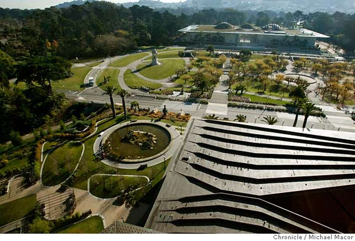 academy16_360_121_mac.jpg 9 floors up in the De Young Tower looking out over the Music Concourse. The emerging Music Concourse district, that includes the De Young Museum and the California Academy of Sciences. tphotog} / The Chronicle Photo taken on 12/13/07, in San Francisco, CA, USA MANDATORY CREDIT FOR PHOTOG AND SAN FRANCISCO CHRONICLE/NO SALES-MAGS OUT