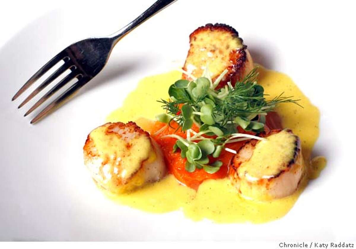 d.25LESAMIS Scallops in vanilla saffron sauce at Les Amis, a restaurant at 568 Sacramento St. in San Francisco. These pictures were made on Tuesday Nov. 6, 2007, in San Francisco, CA. KATY RADDATZ/The Chronicle Photo taken on 11/6/07, in San Francisco, CA, USA