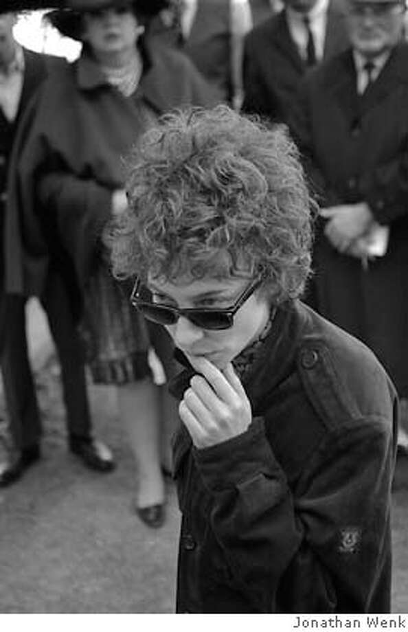 Cate Blanchett as Jude in Todd Haynes' I'm Not There.  Ran on: 11-21-2007  Cate Blanchett as the mid-'60s Bob Dylan. Photo: Jonathan Wenk