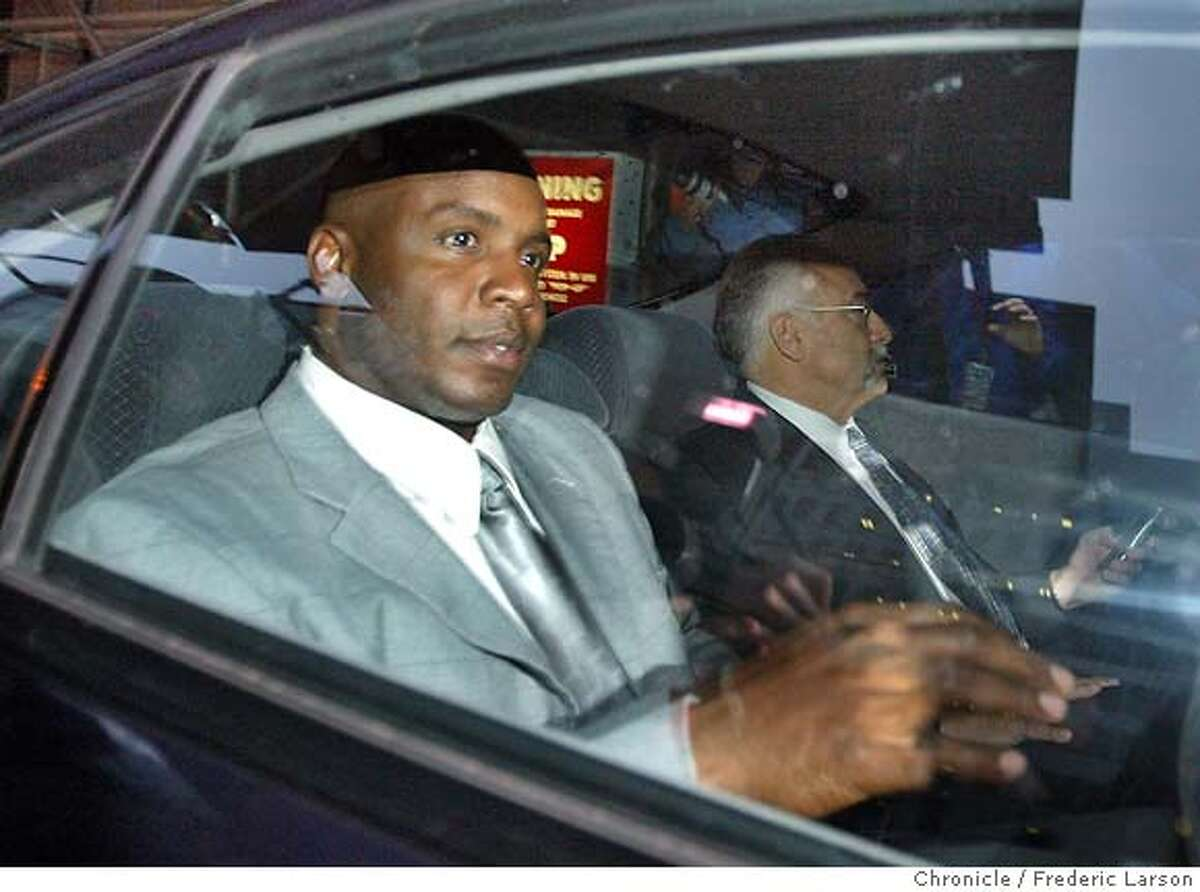 GRANDJURY_059_fl.jpg; Barry Bonds departs from the San Francisco Federal Court House after testifing before a federal grand jury investigating the suspected distribution of illegal performance-enhancing drugs by two men closely associated with the San Francisco Giants star. Bonds' personal weight trainer, Greg Anderson, and his nutritionist, Victor Conte of the Bay Area Laboratory Co-Operative (BALCO), are targets of the investigation, according to a defense lawyer. Investigators hope to take down an alleged drug ring suspected of supplying steroids and other banned performance-enhancing drugs to top-level athletes, said a source familiar with the probe. Anderson and Conte are the central figures under investigation. The Chronicle; ALSO RAN: 1/1/2004 ALSO Ran on: 12-24-2006 Victor Conte, talking to reporters after being sentenced for providing undetectable performance-enhancing drugs to elite athletes, was the founder of the Bay Area Laboratory Co-operative. Dozens of counts were dropped in a plea bargain for Conte and others. Ran on: 12-24-2006 Victor Conte, talking to reporters after being sentenced for providing undetectable performance-enhancing drugs to elite athletes, was the founder of the Bay Area Laboratory Co-Operative. Dozens of counts were dropped in a plea bargain for Conte and others.