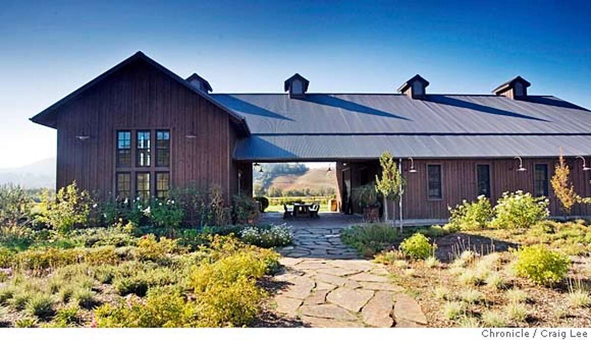 SONOMA16_018_cl.JPG Story by John King on architecture of wineries in Sonoma Wine Country. Photo of Dutcher Crossing Winery in Healdsburg. on 11/6/07 in Sonoma County. photo by Craig Lee / The Chronicle MANDATORY CREDIT FOR PHOTOG AND SF CHRONICLE/NO SALES-MAGS OUT
