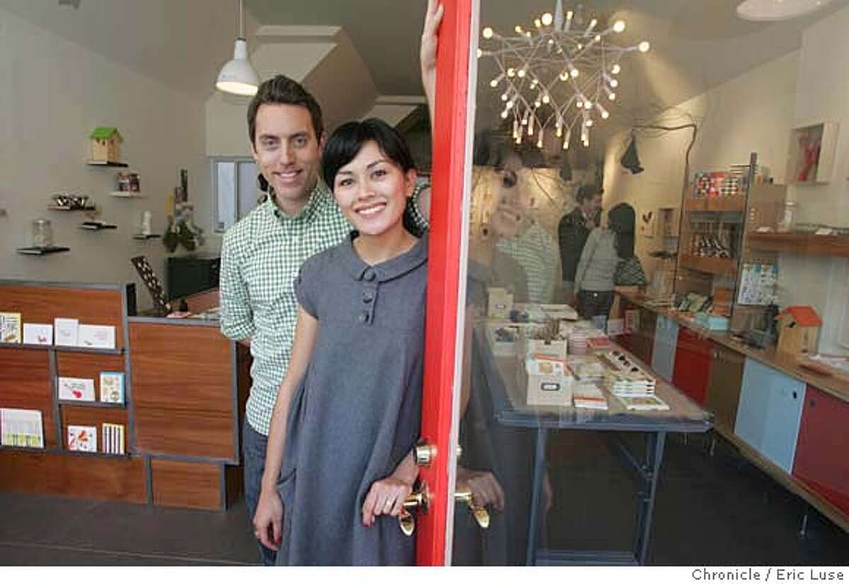 galleries07_123_el.jpg The Curiosity Shoppe owners Derek Fagerstrom and Lauren Smith. Small retail stores turning their space into galleries for artists. Eric Luse / The Chronicle Photo taken on 10/19/07, in San Francisco, CA, USA Names cq from source Derek Fagerstrom and Lauren Smith Sarah Cihat Cate Kellison MANDATORY CREDIT FOR PHOTOG AND SAN FRANCISCO CHRONICLE/NO SALES-MAGS OUT
