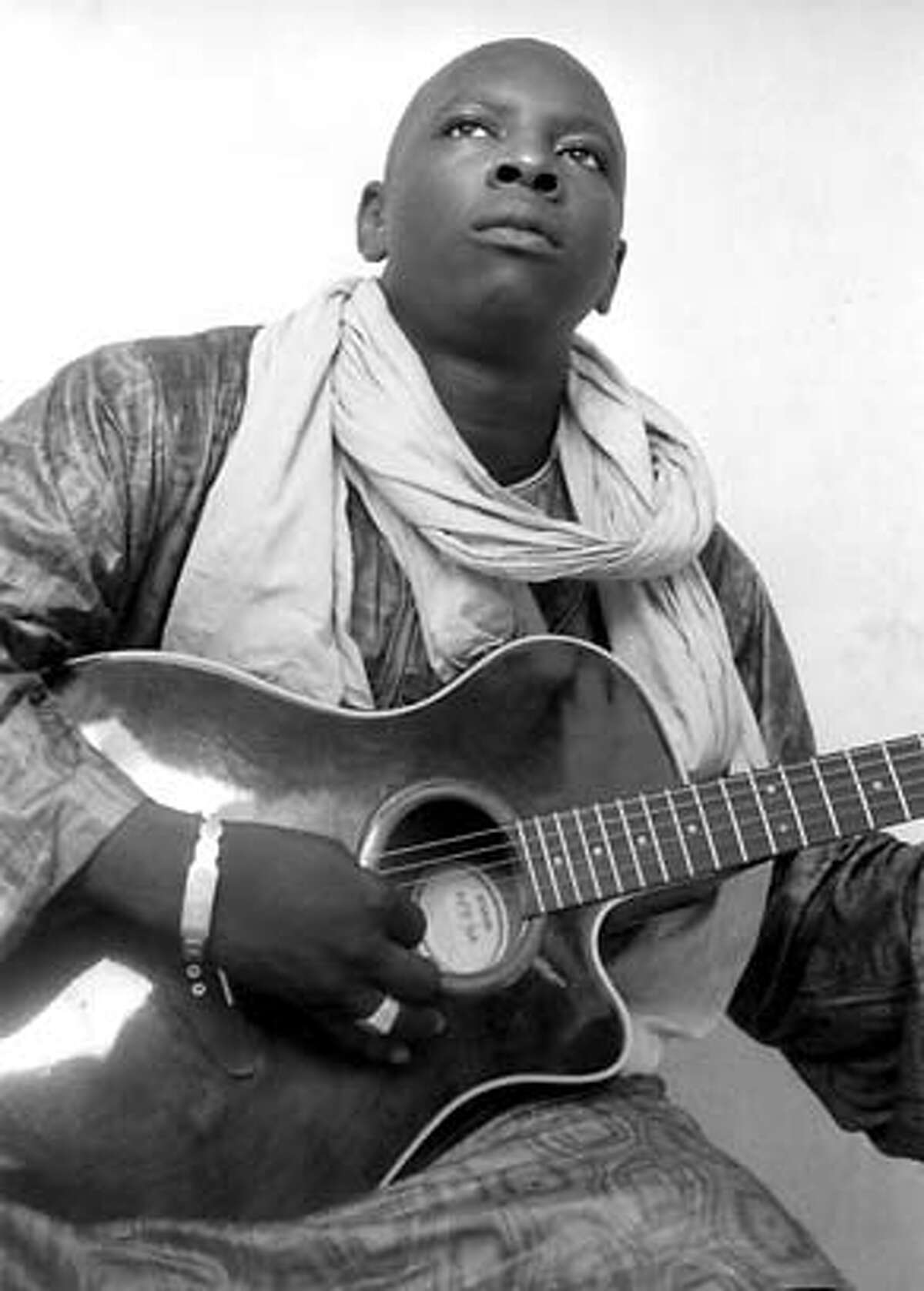 Vieux Farka Toure Ran on: 10-28-2007 Vieux Farka Toure: His father, Ali, was a great influence on the young musician. Ran on: 10-28-2007