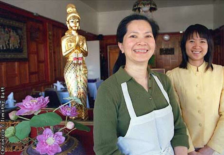 Rama Thai owner Wannee Houssain (left) with server Nopachan. Chronicle photo by Timothy Batt