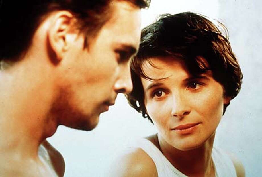 Juliette Binoche and Alexis Loret in ALICE ET MARTIN. Handout